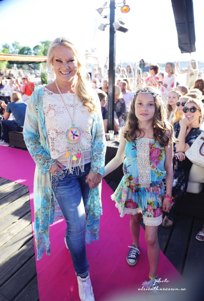 Fashion show och en härlig sommarkväll på Strandbryggan